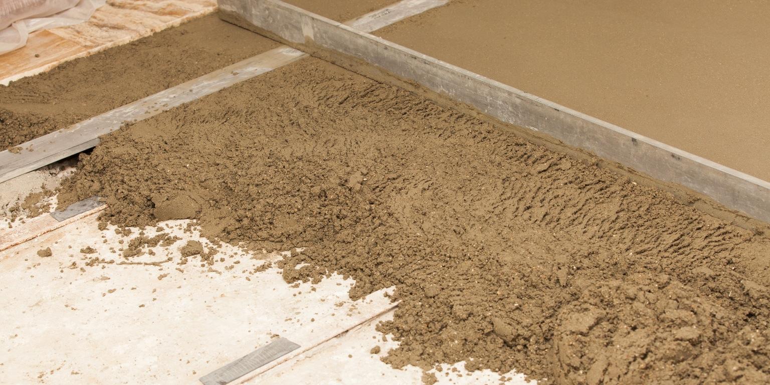 Isolation du sol mat riaux leurs avantages - Chape isolante polyurethane projete prix ...